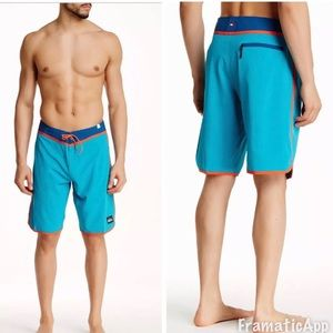 Quicksilver men's loc scallop board shorts aqua